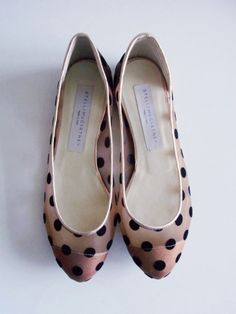black and neutral polka dot flats #dots #shoes