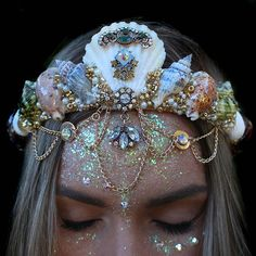 omg you guys, so these are one-of-a-kind, handmade tiaras by this shop called Chelsea's Flower Crowns. Maquillage Halloween, Halloween Makeup, Cute Jewelry, Hair Jewelry, Cheap Jewelry, Jewelry Necklaces, Bracelets, Seashell Crown, Shell Crowns