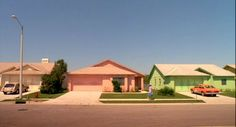 10 frames Edward Scissorhands Directed by Tim Burton Cinematography by Stefan Czapsky Famous Movie Scenes, Famous Movies, Iconic Movies, Amazing Movies, Popular Movies, Eduardo Scissorhands, Movie Color Palette, Pastel House, William Eggleston