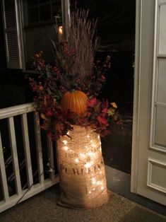 Cute for fall and halloween. Going to make one of these for my front porch. Thanksgiving Decorations, Seasonal Decor, Halloween Decorations, Christmas Decorations, Burlap Christmas, Thanksgiving Cards, Christmas Lights, Primitive Fall, Primitive Crafts