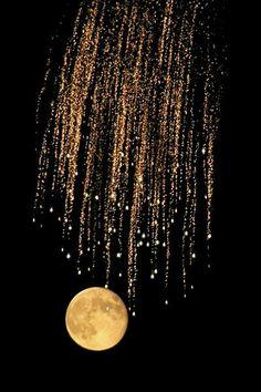 Ay vurmuyorsa yüzüne, güneş vurmuyorsa pencerene ; kabahati ne Ay'da ne Güneş'te ara.Gözlerinde ki perdeyi arala.. - Mevlâna