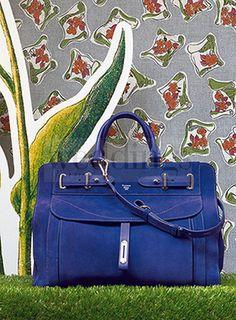 Flower Power: le borse Fontana 1915 omaggiano il potere della natura.