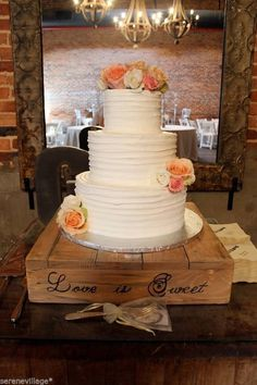 CAKE STAND, WOOD CAKE STAND, COUNTRY Rustic Wedding, Cake Stand, Shabby Chic