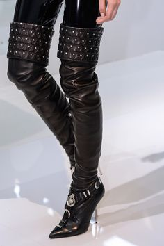 Versace Fall 2013 RTW - Details - Fashion Week - Runway, Fashion Shows and Collections - Vogue - Vogue
