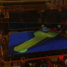 Nuevo video de impresion 3dIn Action making a spool holder for the shop. #3dprinting #fabrikatormini #guitar #luthier No olvides checar nuestros servicios de impresion3d en pachuca