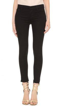 J Brand 811 Photo Ready Mid Rise Skinny Jeans worn by Emma Swan on Once Upon a Time