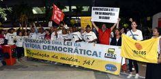 Militantes de diversos movimentos sociais na DEScomemoração da Globo, dia 23/04, Maracanãzinho/Rj #BrasilSemRedeGlobo