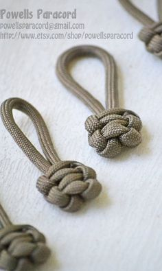 Paracord Zipper Pulls by powellsparacord on Etsy Paracord Zipper Pull, Paracord Knots, 550 Paracord, Paracord Bracelets, Paracord Projects, Macrame Projects, Paracord Ideas, Knot Braid, Key Fobs
