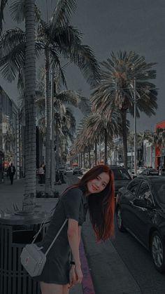 Aesthetic Indie, Aesthetic Photo, Aesthetic Pictures, Beautiful Night Images, Lisa Park, Demogorgon Stranger Things, Parfum Rose, Ariana Grande Drawings, Korean Girl Photo