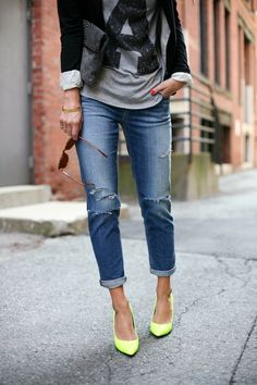 slouchy boyfriend jeans, how to wear slouchy jeans, outfit ideas, casual style, back to school 2013, boston style blogger, fashion blogger, boston, joe's jeans distressed, neon yellow heels