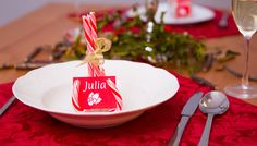 Zuckersüße Tischdeko #candycane #table #decor #decoration #christmassy #dinner #christmas