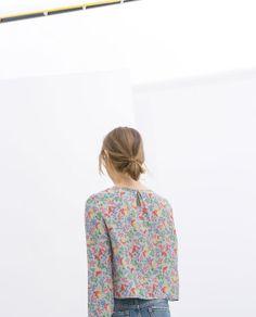 Image 3 of PRINTED CROP TOP from Zara
