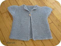 Ravelry: May pattern by Alexandra Provost free pattern Veste manche courte Free Baby Patterns, Baby Knitting Patterns, Free Pattern, Knitting For Kids, Free Knitting, Knit Or Crochet, Crochet Baby, Brei Baby, Diy Knitting Projects