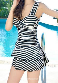Trendy Sweetheart Neckline Striped One-Piece Swimsuit For Women Swimwear | RoseGal.com Mobile