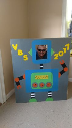 Have out for first day of school and meet the teacher, so parents can take a pic Vbs Crafts, Camping Crafts, Gadgets And Gizmos Vbs, Maker Fun Factory Vbs, Robot Theme, Vbs Themes, Bible School Crafts, Vacation Bible School, Kids Church