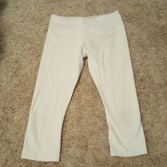White and beige gingham lululemon wunderunder crop Gently worn size 6 lululemon wunderunder crops Sit low on waist Inner tag removed when worn the first time. No pilling lululemon athletica Pants Leggings
