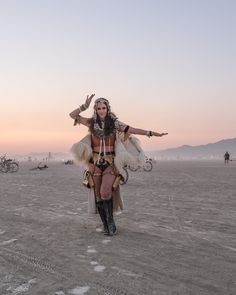Eco-friendly and ethical #burningman outfit ideas!