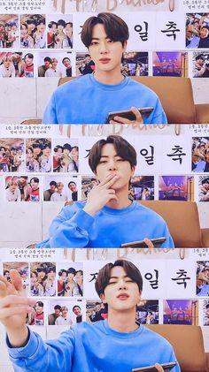 Seokjin, Kpop, Ariana Grande Gif, Worldwide Handsome, Namjin, Korean Singer, Bts Wallpaper, Boy Bands, Boys
