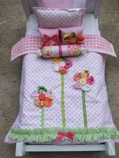 American Girl Doll Bedding Set Decorative Pillows by sashali by etta - American Girl Dolls American Girl Furniture, American Girl Doll Bed, American Girl Crafts, American Doll Clothes, American Girls, Doll Quilt, Doll Bedding, Ag Doll House, Barbie House