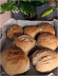 Appelsiineja Hunajaa:taatelilla maustettua leipää