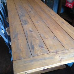 We love the distressed Finish on our apron top farm table