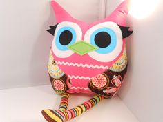 Owl pillow - on Etsy, by Bellamina.