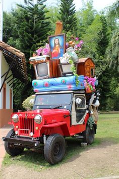 Colombia - Transporte, tradicional, en el eje cafetero. Jeep Willys, World's Biggest, Commercial Vehicle, Historical Pictures, Lonely Planet, Antique Cars, Transportation, Christmas Ornaments, Holiday Decor