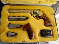 "DAN WESSON ""Pistol Pack"" Model 15-2VH series target revolver, 38/357 Magnum, Bright Nickel, Heavy Ventilated Ribbed 2.5"", 4"", 6"", 8"" Barrels"