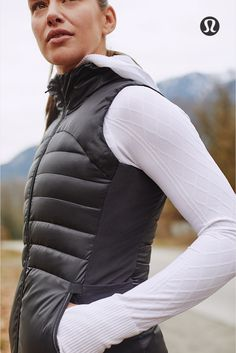 Rekindle your love for cold weather sweat sessions. Casual Sporty Outfits, Athleisure Outfits, Sport Outfits, Yoga Fashion, Sport Fashion, Fitness Fashion, Workout Attire, Workout Wear, Athletic Wear