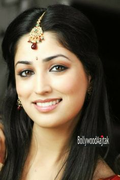 Tollywood: Yami Gautam, who shot to fame with the Hindi film 'Vicky Donor', has been roped in opposite actor Nitin in the upcoming bilingual 'Courier Boy Kalyan'. Indian Bollywood Actress, Bollywood Actress Hot Photos, Beautiful Bollywood Actress, Actress Photos, Beautiful Actresses, Beautiful Girl Indian, Most Beautiful Indian Actress, Gorgeous Women, Beauty Full Girl