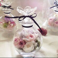 Wedding favors idea, flowers in a jar | Project by Rosepompon http://www.bridestory.com/rosepompon/projects/rosepompon