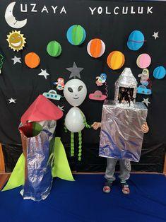 Uzay okul öncesi Solar System Projects For Kids, Space Projects, Space Crafts, School Projects, Green Lantern Costume, Art Classroom Decor, Space Theme Preschool, Diy And Crafts, Crafts For Kids