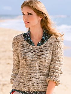 Pullover im Fallmaschen-Muster With the airy drop stitch pattern, the sweater caresses us like a summer breeze. Here you can find our free knitting instructions. Crochet Summer Tops, Knit Crochet, Free Knitting, Knitting Patterns, Moda Emo, Cardigans For Women, Beachwear, Free Pattern, Summer Outfits