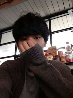 ulzzang, boy, and korean •●•♡》♛♟❁♞☄☽샤론 엘리차베스☾☄  ~Imagen via WeHeartIt~