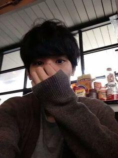 ulzzang, boy, and korean •●•♡》♛♟❁♞☄☽샤론 엘리차베스☾☄  ~Imagen via WeHeartIt~