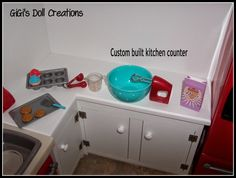 GiGi's Doll and Craft Creations: American Girl Doll Kitchen and Custom Cabinet Tutorial American Girl House, American Girl Crafts, American Girl Clothes, American Dolls, Ag Doll Crafts, Diy Doll, Sewing Crafts, Ag Dolls, Girl Dolls