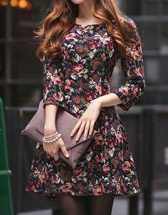 O vestido Primavera em Paris tem um quê de doçura e é cheio de classe, assim como você.