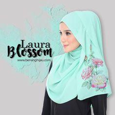 Benang Hijau Warehouse Sale Tour 2017 kini berlangsung untuk koleksi pakaian Muslimah dengan harga diskaun hebat