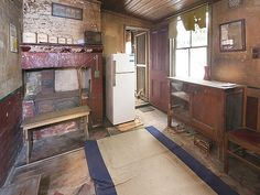 House in Paddington, 2015 auction. 1950's relic.