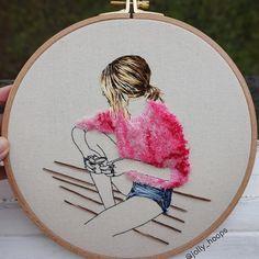 Вышивка гладью,  обучение вышивке, мастер класс, рукоделие,  вышивание,  хэндмэйд, Вышитая  брошь,   embroidery, embroidered  brooch,  handmade, мастер класс, урок вышивки, ручная работа,  брошь ручной работы, брошь гладью,  брошь из бисера,  брошь ручной работы, DIY,  вышивка на одежде,  вышитая картина, картина гладью,  идеи вышивки Hand Embroidery Videos, Hand Work Embroidery, Japanese Embroidery, Hand Embroidery Stitches, Modern Embroidery, Embroidery Hoop Art, Hand Embroidery Designs, Embroidery Techniques, Ribbon Embroidery