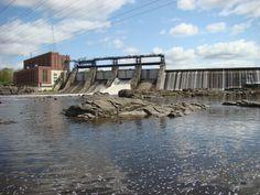 La centrale a été citée monument historique par la ville de Drummondville en 2005 le barrage de la Chute Hemming De Drummondville Central, Canada, Water Mill, Fall Of Man, City