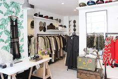A Posh Vintage Store Renovation in Record Time — Makeover Mercado Vintage, Brick Show, Thrift Store Furniture, Brick Lane, Black Exterior, Retail Space, Red Bricks, Store Displays, Shop Interiors