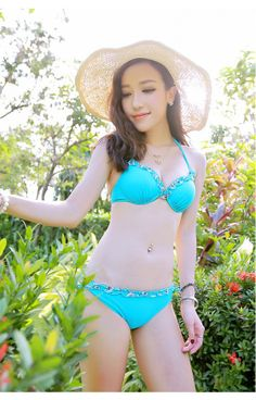 ワイヤービキニ&パレオ3点セット-N4936。水着の画像をクリックしてから注文できます。