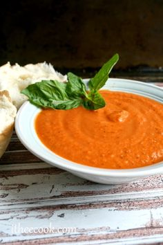I Thee Cook: Creamy Dreamy Tomato Bisque Chili Recipes, Soup Recipes, Vegetarian Recipes, Dinner Recipes, Cooking Recipes, Dinner Ideas, Meal Ideas, Recipies, Goulash