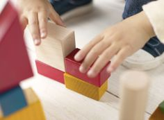 We love ideas for cheap kids activities. Try our tips for toys, games and activities suitable for indoor play whenever they have to stay inside. Improve Your Handwriting, Nice Handwriting, Kinesthetic Learning, Kids Learning, Learning Shapes, Visual Learning, Sensory Integration Therapy, Family Chiropractic, Chiropractic Care