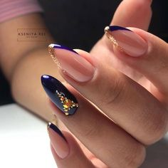 36 gorgeous acrylic almond nails with your holiday in 2020 43 Get Nails, Love Nails, Hair And Nails, Stylish Nails, Trendy Nails, Holiday Nails, Christmas Nails, Sharp Nails, Beautiful Nail Designs
