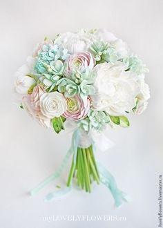 Купить или заказать Мятный букет невесты из полимерной глины в интернет-магазине на Ярмарке Мастеров. Букет невесты ручной работы из полимерной глины Deco. Цветы в букете: пионы, ранункулюсы, фрезии, классические розы, кустовые розы, гортензия, белая тканная и мятная лента из натурального шелка. К букету можно заказать цветы в прическу, бутоньерку, браслеты подружкам невесты в одной цветовой гамме с использованием цветов из букета.