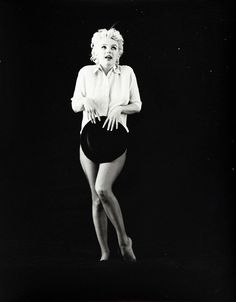 thebeautyofmarilyn: Marilyn photographed by Milton Greene, 1956.