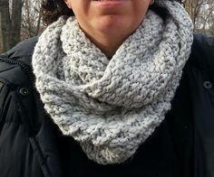 Chunky Checkered Cowl pattern on ravelry