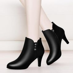 Fashion Crystal Ankle Boot For Women Genuine Leather Party Shoes 2018 New Autumn Winter High Heels Platform Boots Black Ankle Boots, Shoe Boots, Ugg Boots, Pump Shoes, Women's Shoes Sandals, Shoes Sneakers, Vintage Boots, Shoes With Jeans, Party Shoes